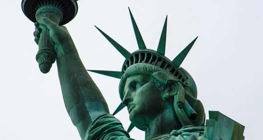 US presses ahead with border wall in court despite shutdown